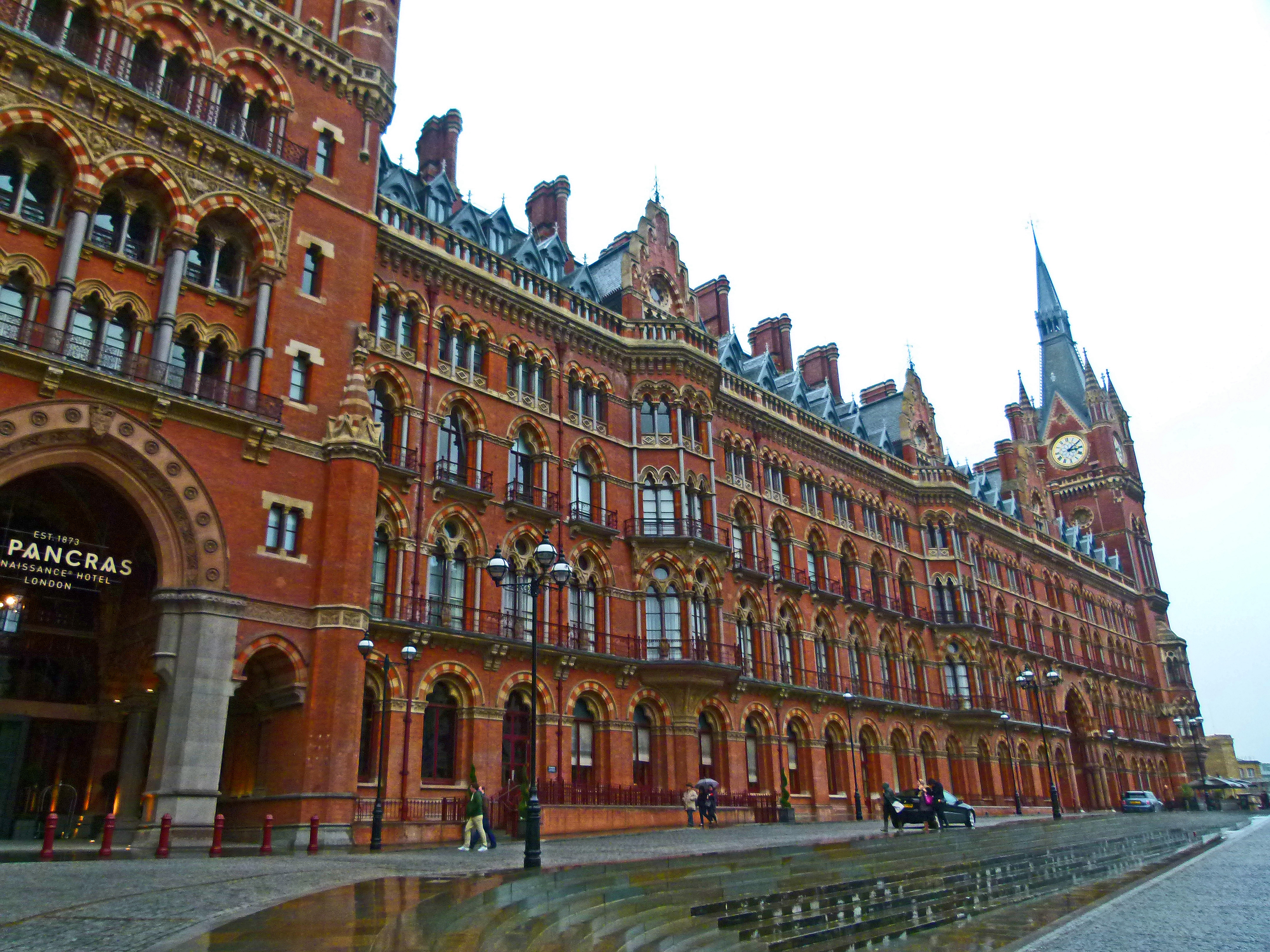 st pancras station chauffeur to southend 120. Black Bedroom Furniture Sets. Home Design Ideas