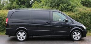 mercedes viano 6 seater in black southend on sea taxi chauffeur